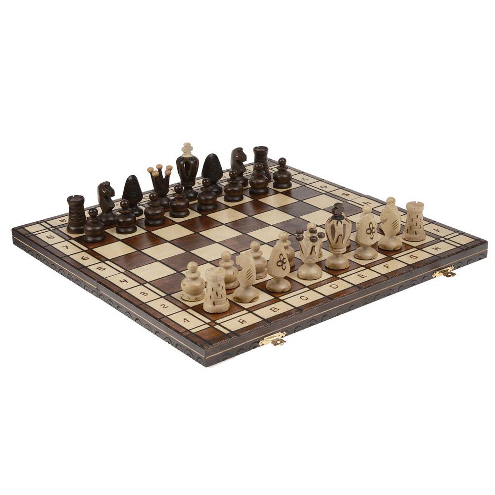 и лодка и шахматная фигура